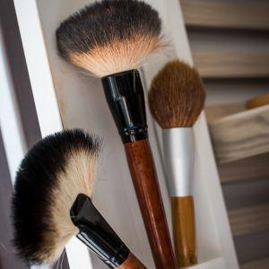 pinceaux maquillage 1001 beauté la Rochelle hammam institut beauté